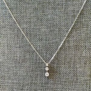 Jewelry - Silver tone necklace with 3 stone pendant